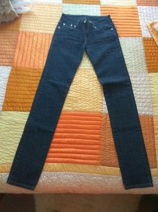 pantalon vaquero azul oscuro
