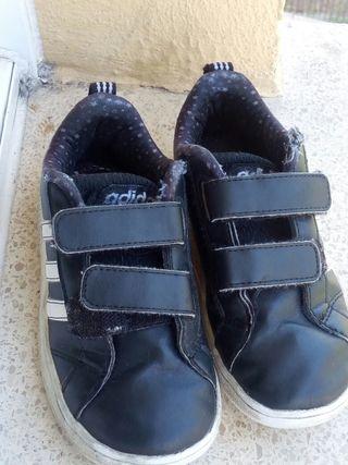 Zapatillas adidas talla26 en buen estado
