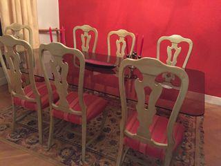 Comedor y sillas ajuego