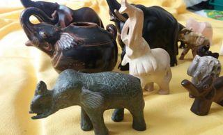Colección de elefantes de diferentes minerales