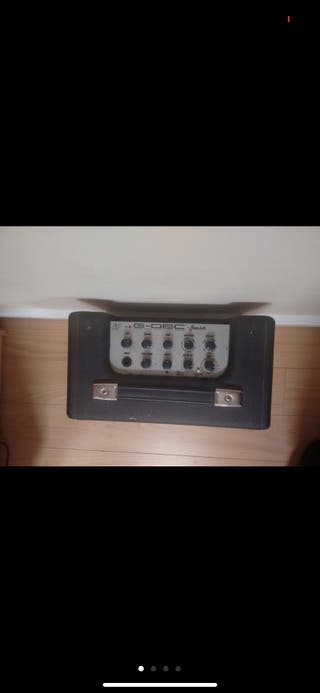 Squier Guitar Pack