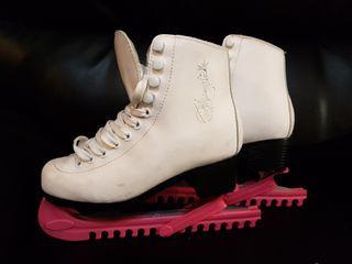 patin hielo artistico niña.