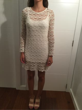 Vestido Zara beige calado Trafaluc collection