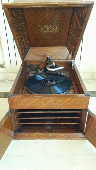 gramófono con discos originales
