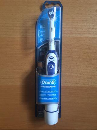 Cepillos de dientes Oral B pilas