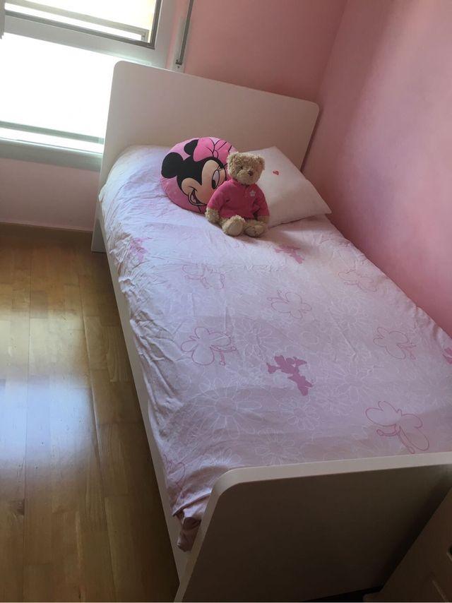 Cama habitación niña