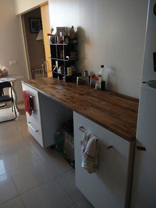 Muebles cocina blancos con encimera, muy modernos