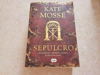 Libro lectura Sepulcro