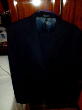 traje y camisa