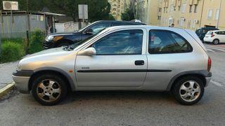 Opel Corsa 1.2 gasolina 2000