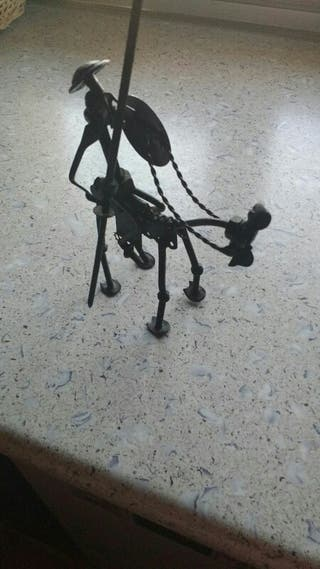 Figura del Quijote a caballo de forja