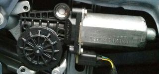Motor elevalunas trasero derecho BMW 320 E46