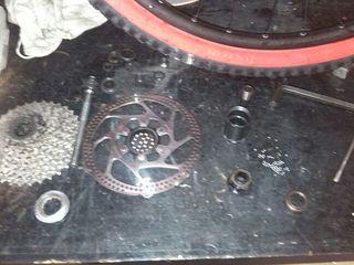 Revisión y reparación de bicicletas