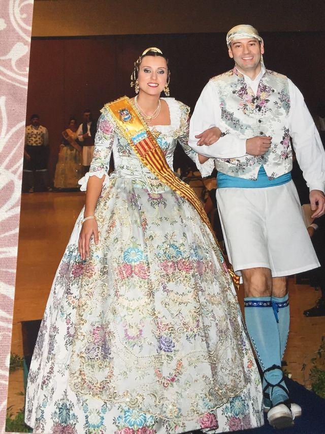 Vestido Fallera con todos los complementos