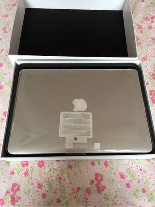 Macbook air 13 i5 /256gb flash