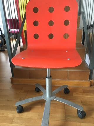 Silla escritorio de segunda mano por 8 en zaragoza wallapop - Silla escritorio segunda mano ...