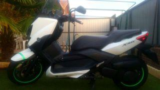 Yamaha X max 250 cc 2015 (1400km)