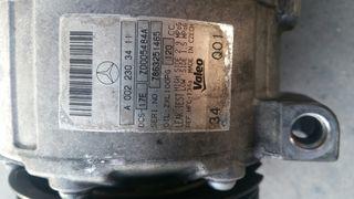 dañado compresor de aire acondicionado de coche
