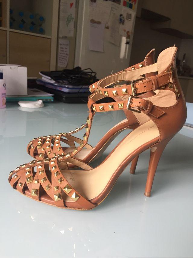 Zapato tacon zara