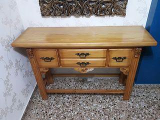 Mueble recibidor en madera maciza
