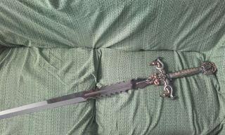 Espada de adorno 1'35m acero toledano