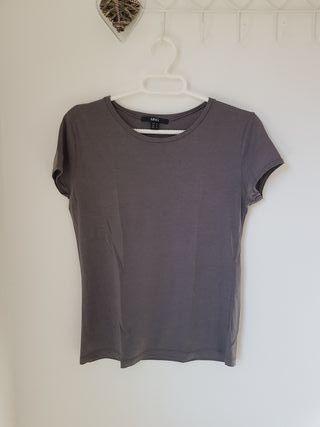 Camiseta gris Mango talla M