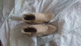 zapatos de cuňa