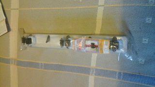 soporte tres escobas y dospara colgar en la pared