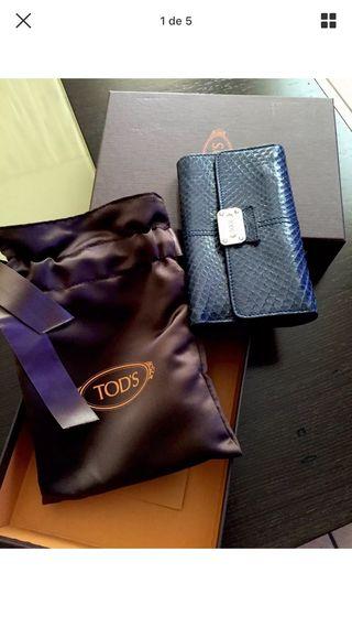 Cartera billetera azul marino de la marca Tod's