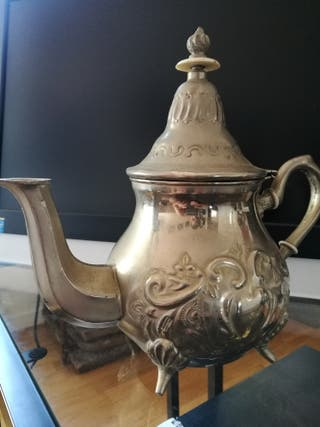 Antigua tetera marroquí artesana 21x22x14cm.