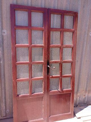 puertas antiguas de iglesia
