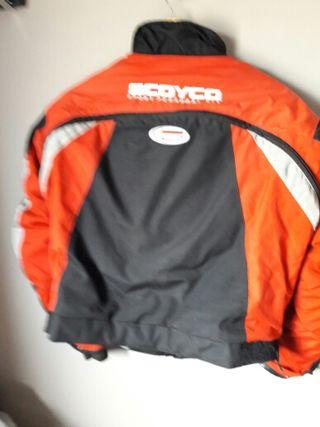 chaqueta moto roja y negra...talla l