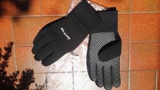 guantes buceo aguas frias