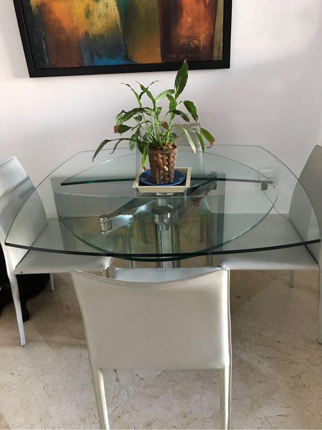 Mesa comedor cristal extensible a ovalada de segunda mano por 275 ...