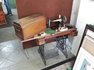 MAQUINA DE COSER SINGER ORIGINAL DE ÉPOCA