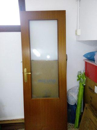 puerta cristalera cristal abre hacia derecha