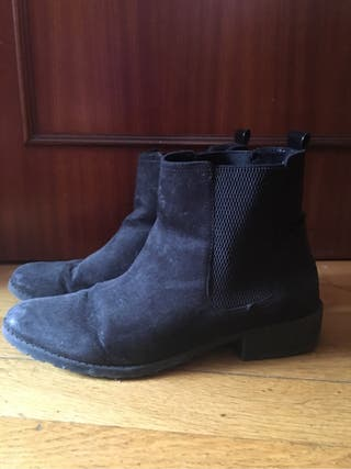 Zapatos botines negros