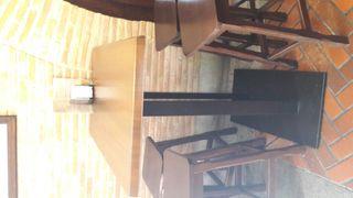 Mesas y taburetes para cafetería
