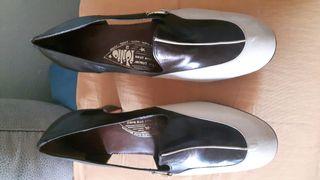 Zapatos de piel ancho especial num. 40 a estrenar