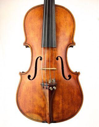 Violin antiguo avanzado