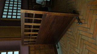 separadores de madera y ruedas