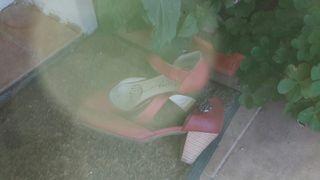 Zapatos granate de tacón medio
