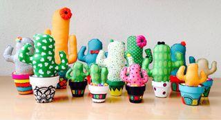 Cactus de tela/maceta pintada