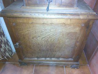 Mueble auxiliar madera de cerezo para restaurar de segunda mano por 15 en madrid en wallapop - Muebles para restaurar madrid ...