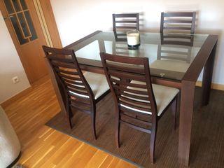 Mesa y 4 sillas a juego color wenge