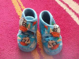 Zapatillas de casa bebe t. 20