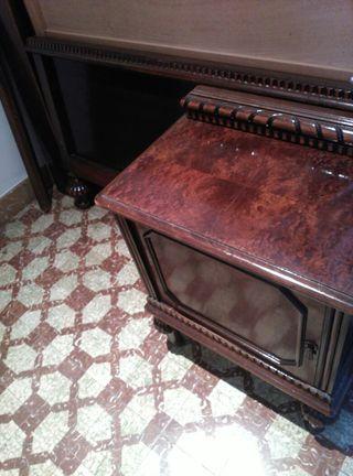 conjunto cama maciza de madera y mesita