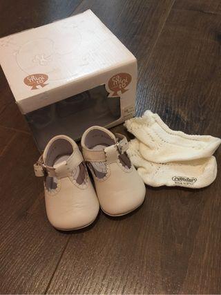 Zapatos bebe talla 16