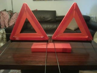 Triangulos reflectantes emergencia