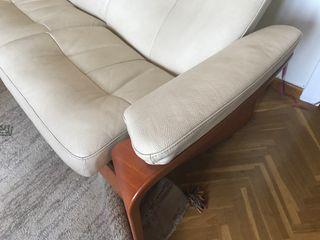 Sofá de piel noruego marca Stresless,